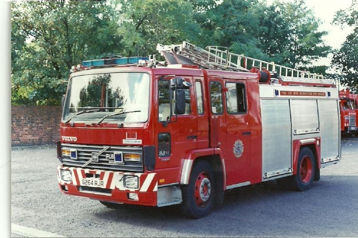 Tyne & Wear Volvo FL6 Pump