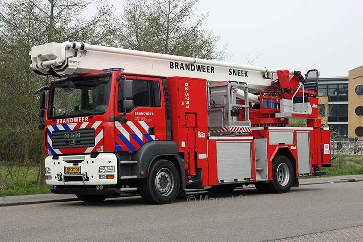 Brandweer Sneek MAN Metz B32 02-5751