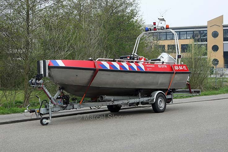 Brandweer Sneek Pega Buster boat