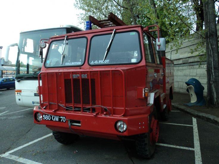 Berliet fire truck in Paris 580 GW 70