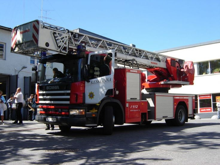 Estonian firefighters turntable ladder