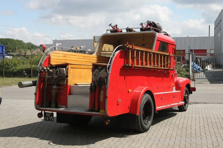fire engines photos brandweer enkhuizen ford oldtimer back. Black Bedroom Furniture Sets. Home Design Ideas