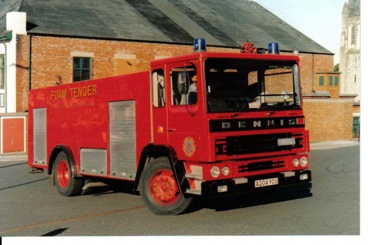 Dennis DF133 Foam Tender, Tyne and Wear.