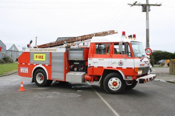 1986 Hino FF fire appliance