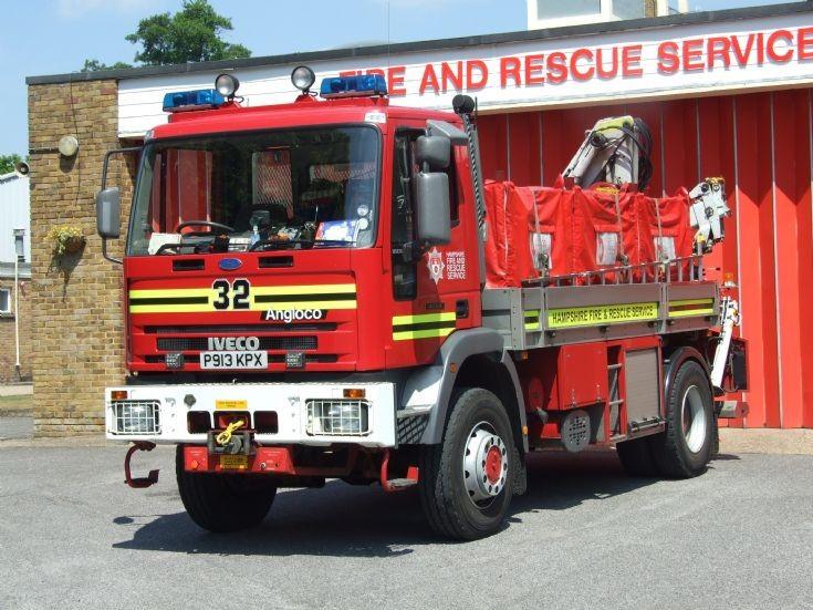 Hampshire Fire & Rescue Service P913 KPX