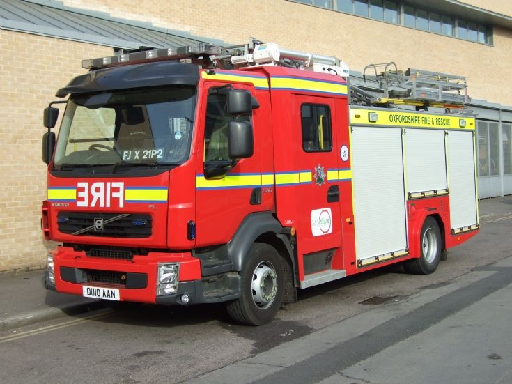 Oxfordshire Fire Rescue Volvo OU10 AAN