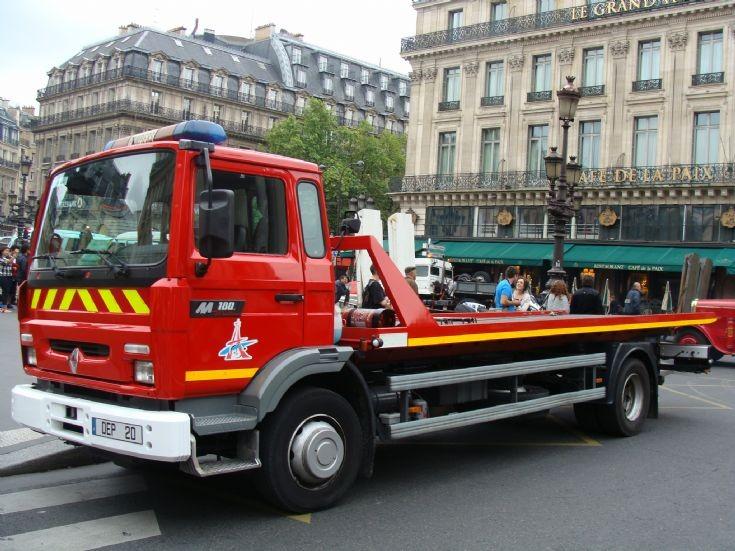 Pompiers de Paris - Renault DEP 20