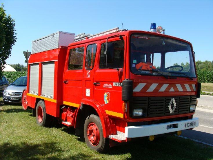 Renault pumper of Village Neuf FS