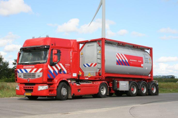 Brandweer Terneuzen truck and trailer Renault