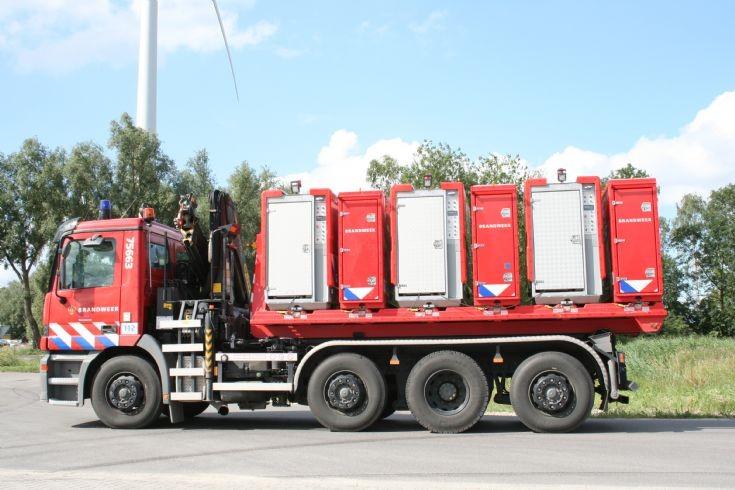 Brandweer Terneuzen Mercedes Prime mover