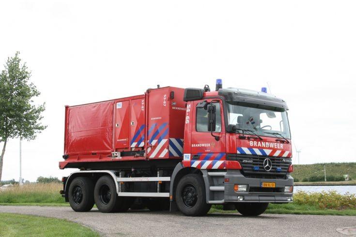 Fire station Sluiskil Mercedes Prime mover