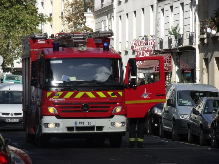 Mercedes Atego fire truck Paris
