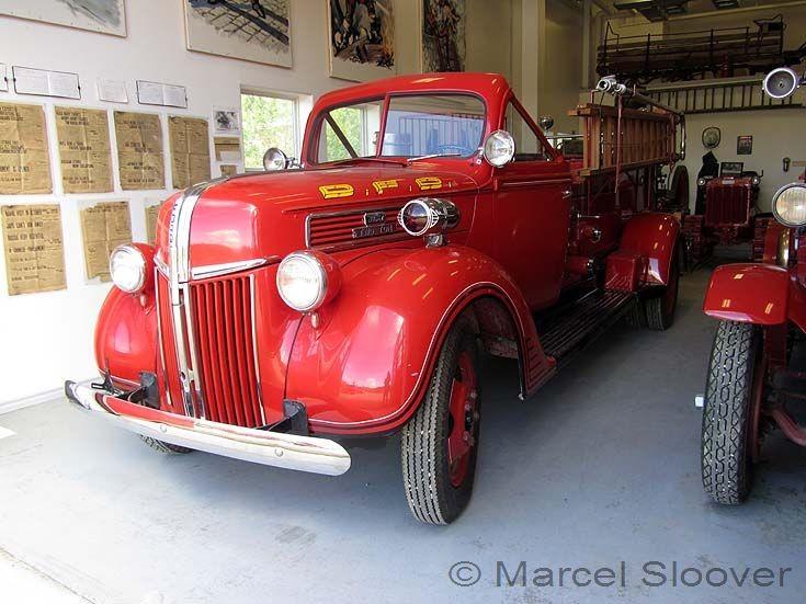 Ford Two Ton oldtimer Dawson City Yukon Canada