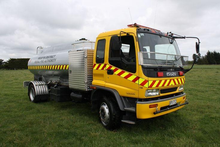 New Zealand Isuzu - BPU752