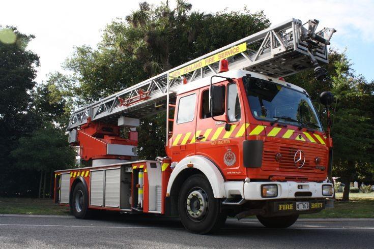 New Zealand Mercedes NT7871