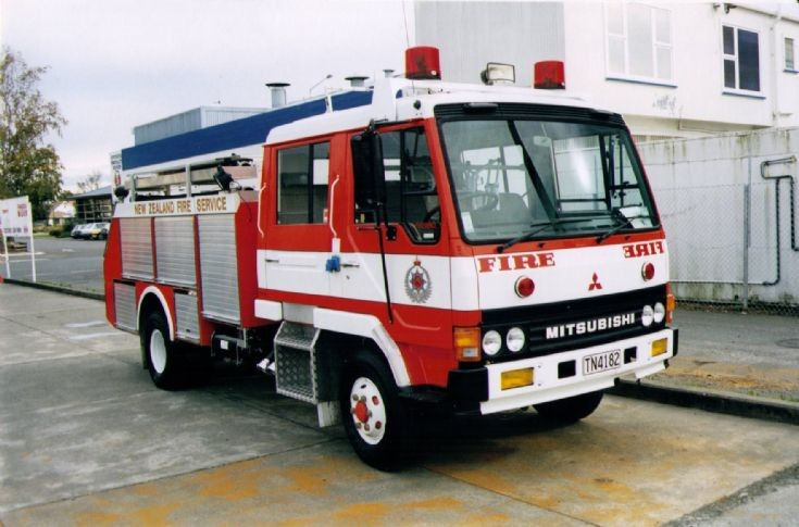 New Zealand Mitsubishi TN4182