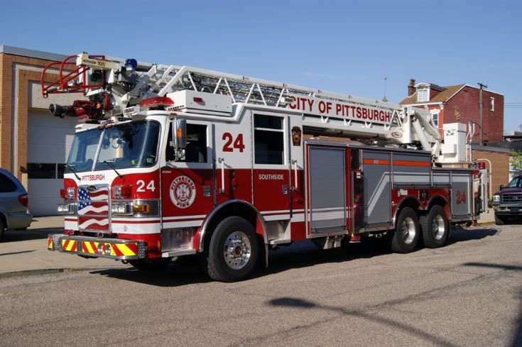Fire Engines Photos Pittsburgh Bureau of Fire Truck 24