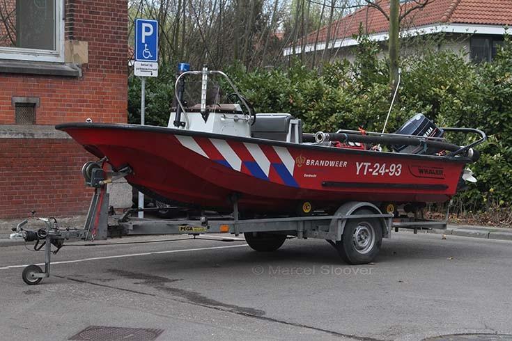 Fire boat Dordrecht 18-263
