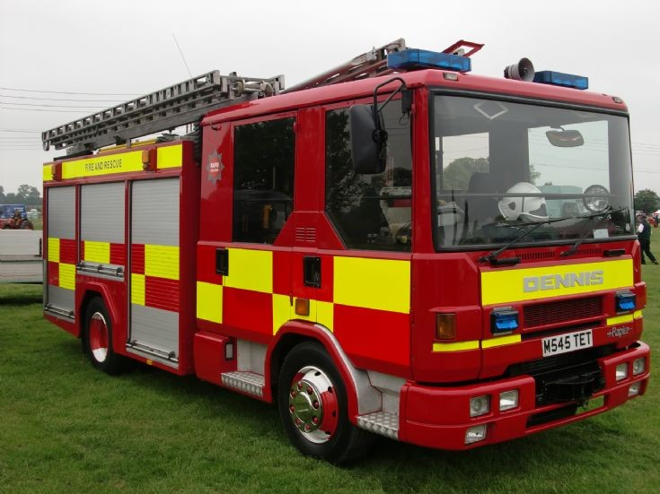 Clay Cross United Kingdom  city pictures gallery : Fire Engines Photos Dennis Rapier M545TET Clay Cross
