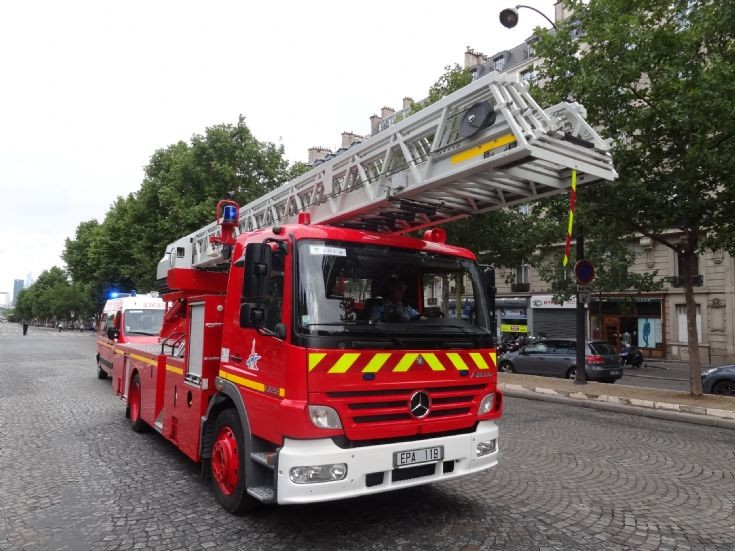 Mercedes-Benz Paris FireBrigade TL 119