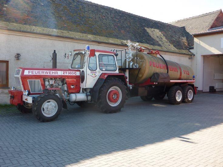 Authausen Feuerwehr tractor