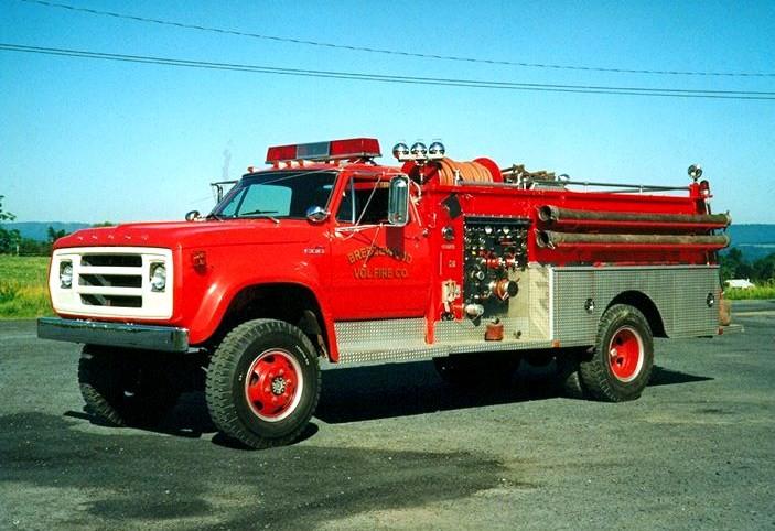 1976 Dodge 600 4x4 /Stinebaugh attack pumper