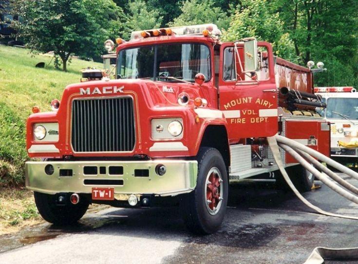 fire engines photos  pierce mount airy md vfd