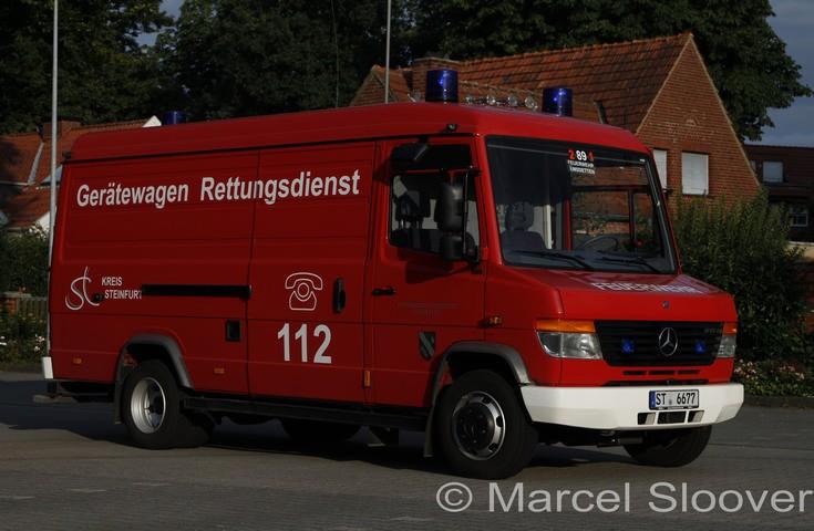 Feuerwehr Emsdetten Mercedes GW-Rettungsdienst