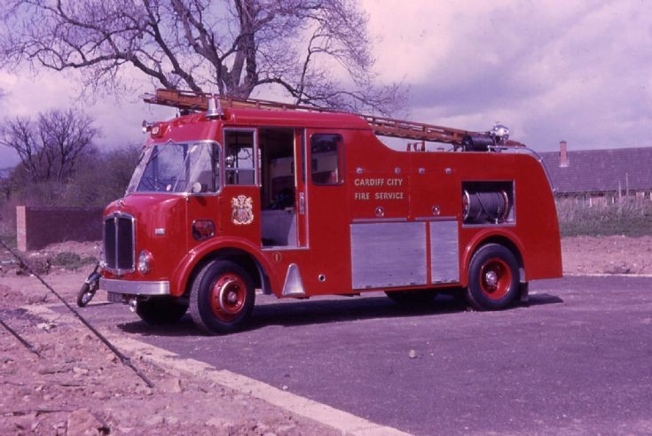 578 AUH Water Tender Cardiff AEC