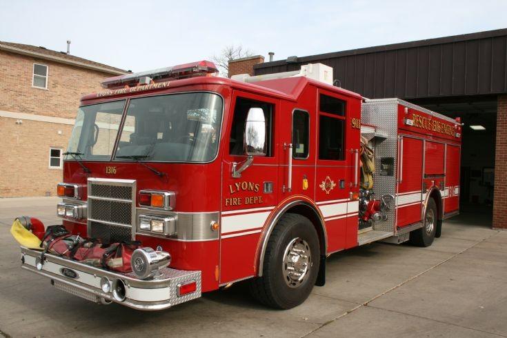 Lyons FD Pierce Dash Rescue Engine