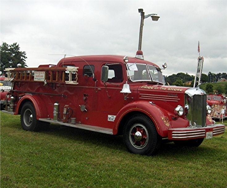 Tis The Season Trucks Decked With Christmas Lights Decoration in addition angelfire   ny5 classicauto 41chevCOE1 likewise 3856348272 as well Ourfireengines furthermore Engine4. on 1947 mack fire truck