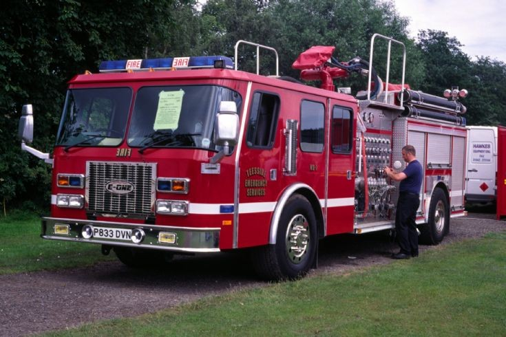 (P833DVN) E-One of Teesside E.S c1997.
