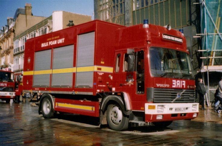 Beckenham BFU Volvo M996LYP