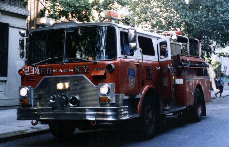 FDNY Engine 23 Mack Midtown