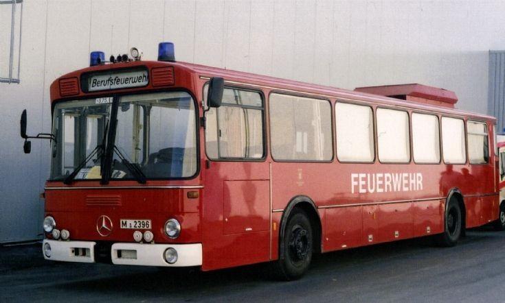 Munich Feuerwehr Bus Mercedes M2396