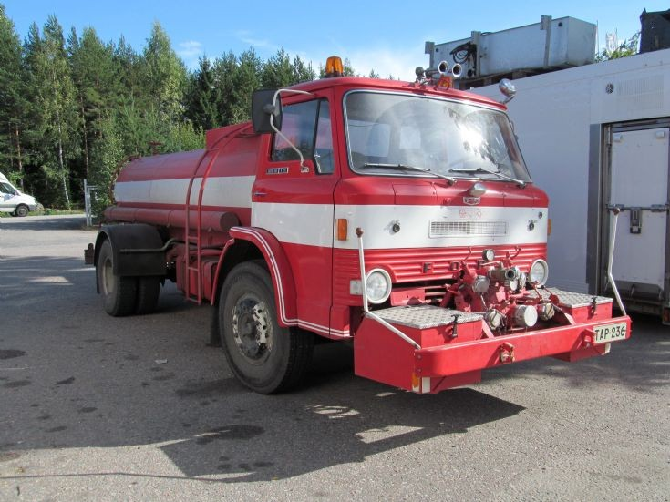 Ford Custom Cab D-750 ex Fire Tanker