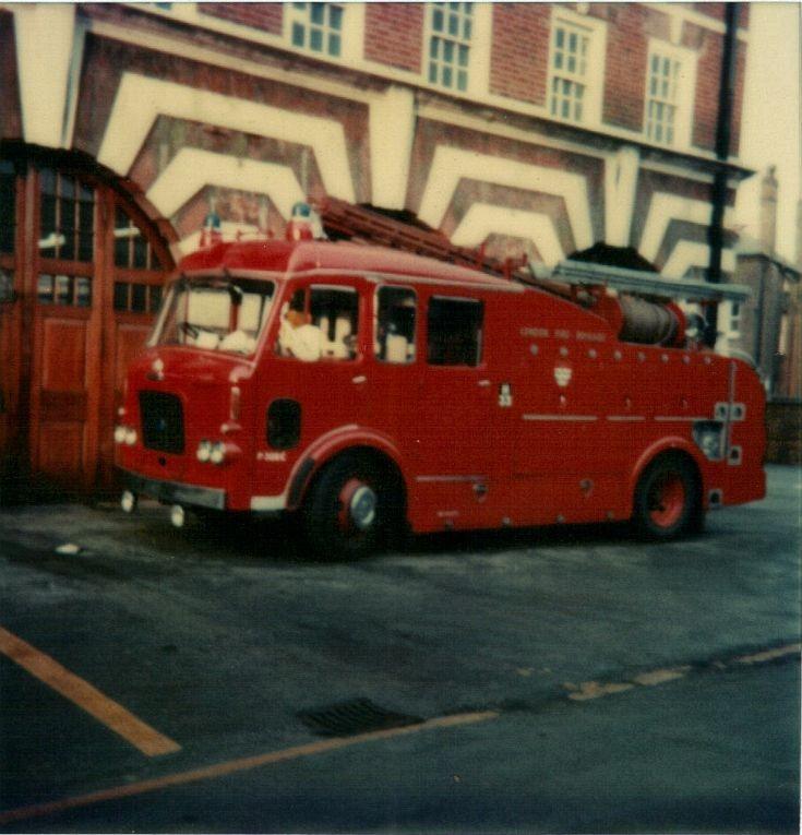 LFB  Dennis 106 Pump