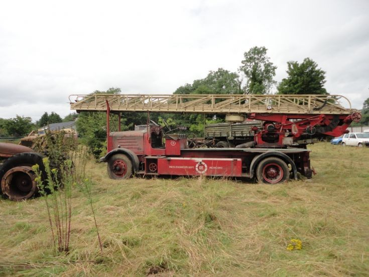 Ex London Morris Magirus 100ft TTL