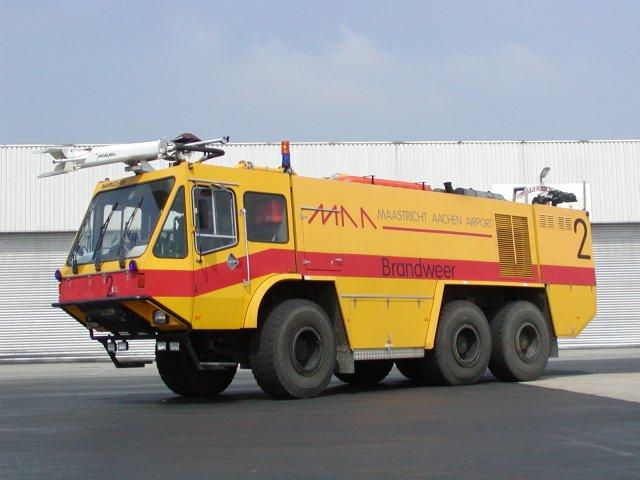 Maastricht Aachen Airport Crashtender