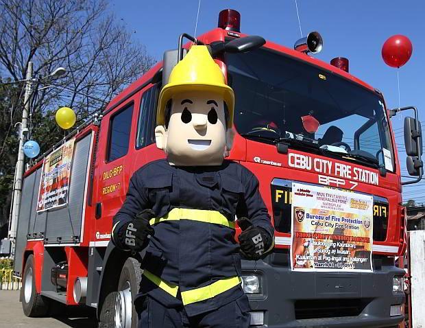 Fire Engines Photos - BFP Rosenbauer Firetruck