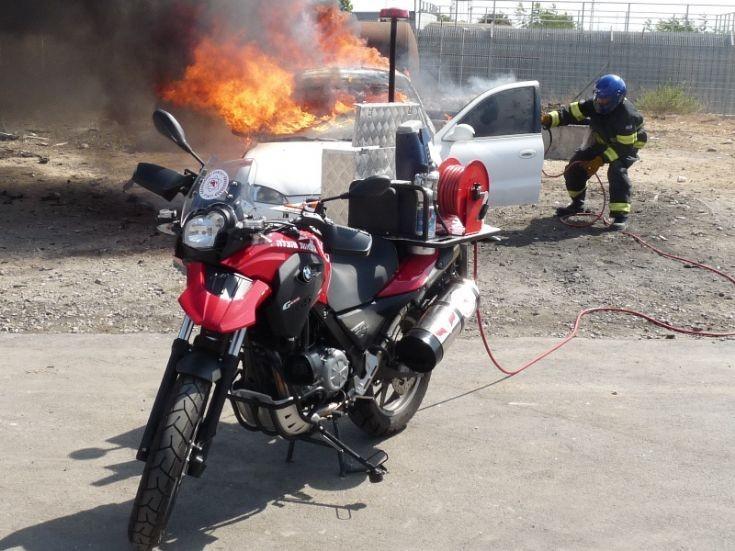 Motorcycle shutdown rapid response vehicle