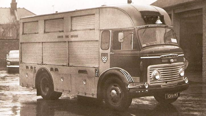 Commer 42A foam tender 1019 MX London