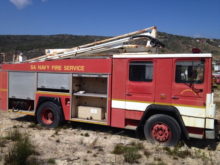 fire engines photos dennis ex sa navy simonstown. Black Bedroom Furniture Sets. Home Design Ideas