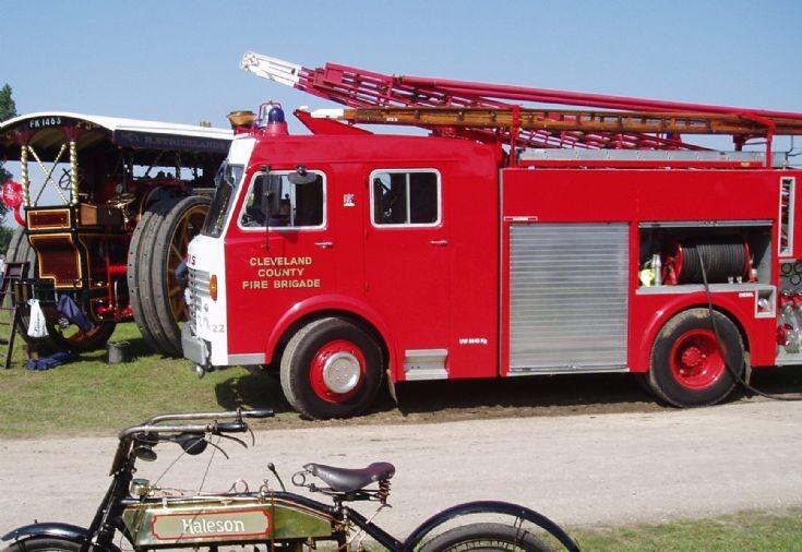 Dennis R131 Pump Escape  THN948S Cleveland CFB