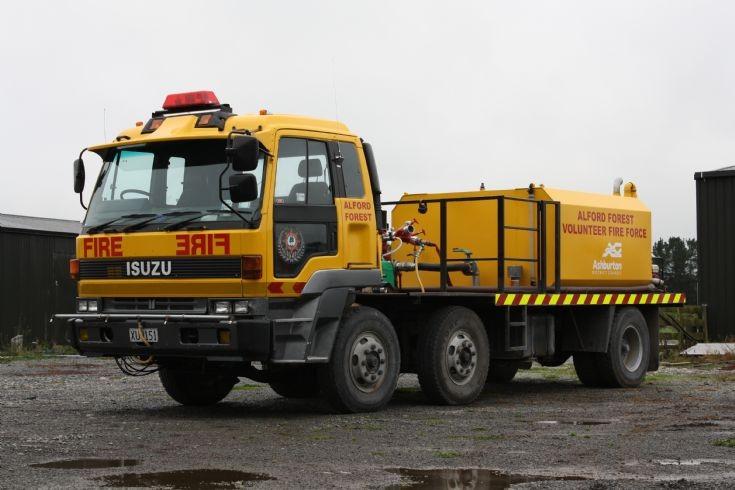New Zealand Isuzu XU9151