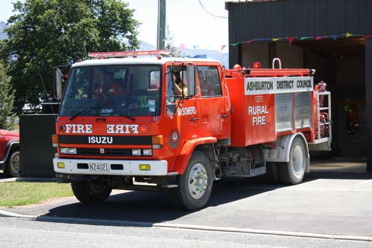 New Zealand Isuzu NZ 4021