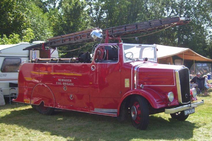1939 Dennis Light-Four/New World Pump.