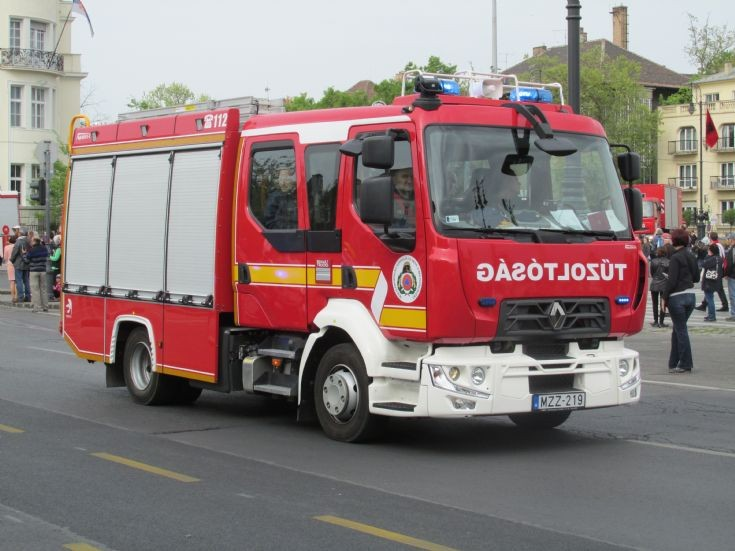 Renault D12 240