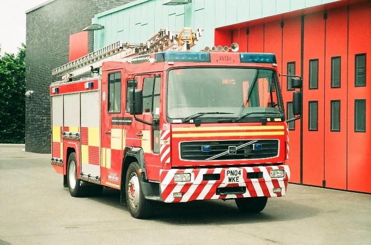 Volvo FL614 WrL PN04WKE North Wales