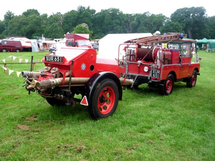 Land Rover and Trailer Pump re-united
